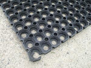 Hole-mats-1.5-x1.0-mtr-300x225