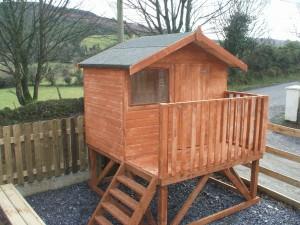 Small-Tree-house-0042-300x225