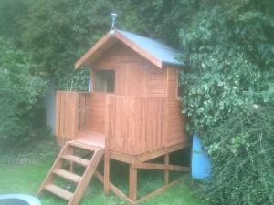 Small-tree-house-002-300x225