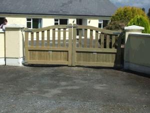 arch-entrance-gates-10-002-300x225