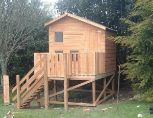 dormer-den-treehouse-300x231