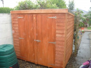 tidy garden sheds ireland wheelie bin cover sheds small. Black Bedroom Furniture Sets. Home Design Ideas