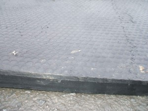 COW-MATS-standard-with-rib-under-002-300x225