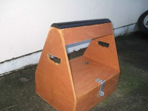 Portable-Saddle-Holder-and-Tote-004.-300x225