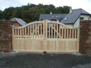 arch-entrance-gates-300x225