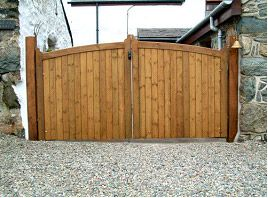 arch-solid-sheeted-gates
