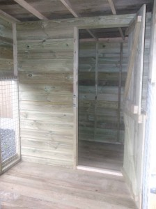 10x6-Delux-Dog-Kennel-with-covered-Run-005-224x300