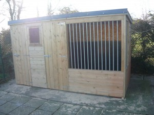 Dog-Kennel-and-Run-Dublin-Airport-Police-001-300x225